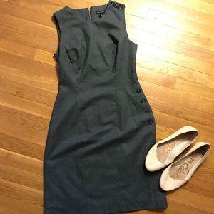 Banana Republic sleeveless grey dress buttons sz 2